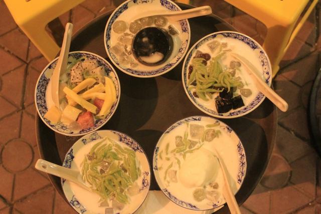 Dạo quanh Cầu giấy mê mẩn bởi những món ăn vặt
