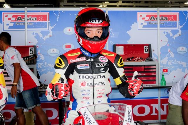 Về nhất chặng cuộc đua mô tô châu Á, chàng trai Việt chia sẻ bí quyết chiến thắng - Ảnh 1.