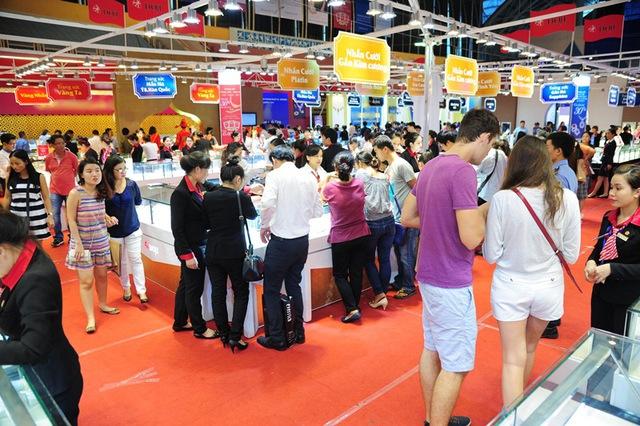 Hàng chục ngàn lượt khách tham quan và mua sắm tại Vương quốc DOJI từ ngày 4/11 đến 8/11