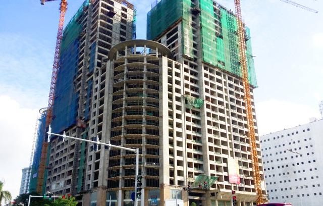 Sun Square đã xây mặt ngoài đến tầng 30