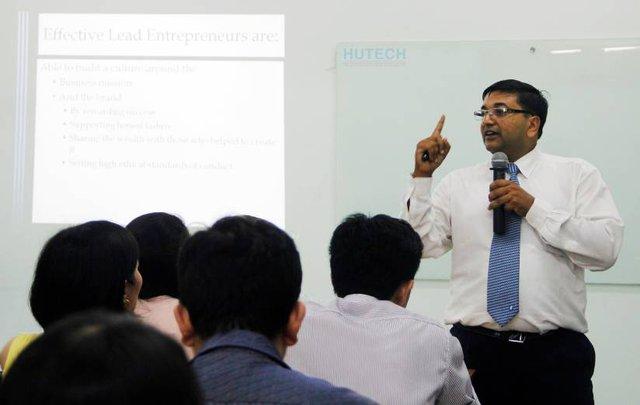 Chương trình MBA Quốc tế của OUM tại HUTECH được giới chuyên môn đánh giá cao