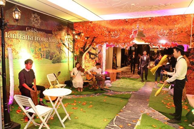 Lễ ra mắt GoldSeason đã tái hiện lại một khung cảnh mùa thu rực rỡ, gây ấn tượng thị giác mạnh mẽ tới người tham dự.