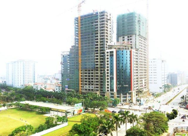 Tổ hợp Sun Square hiện đã tiến hành thi công tới tầng 31 và hoàn thiện mặt ngoài tòa văn phòng 2