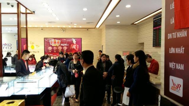 Tại Chi nhánh DOJI Hải Phòng, Số 75 Cầu Đất, Q.Ngô Quyền, TP Hải Phòng, đồng vàng Kim Thân được chào đón tích cực.
