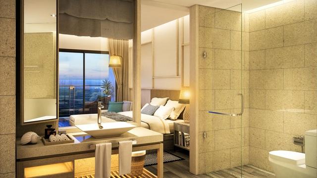 Trong mỗi căn hộ nghỉ dưỡng The Hamptons Hồ Tràm, phòng tắm với thiết kế nhìn trực diện ra biển