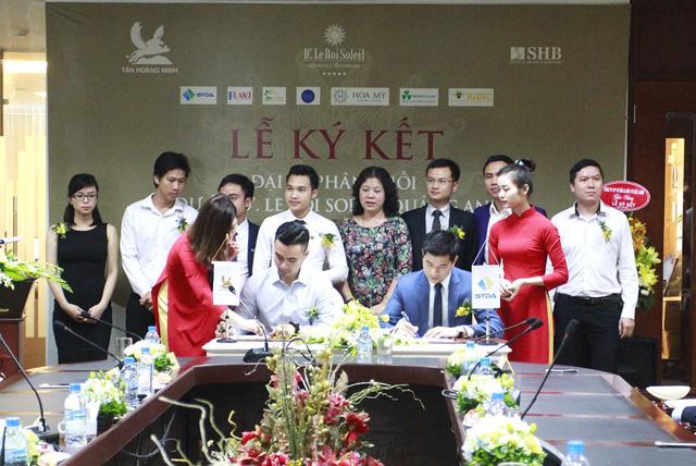 STDA – đại diện các đại lý phân phối dự án  D'. Le Roi Soleil Quảng An ký kết cùng Tân Hoàng Minh Group.