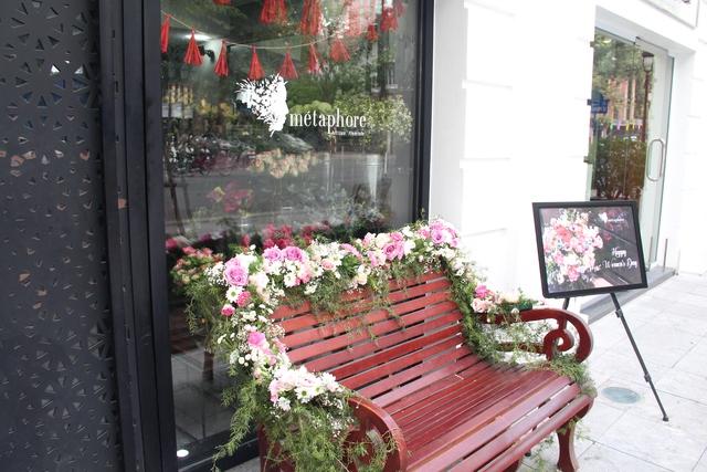 Món quà 8.3 đầy tinh tế mang phong cách Pháp của MC Thành Trung dành tặng vợ sắp cưới - Ảnh 1.