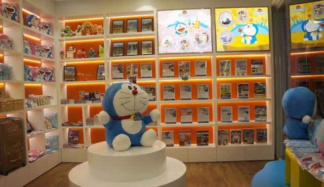 Có gì thú vị trong cửa hàng du lịch Doraemon đầu tiên tại Việt Nam? - Ảnh 1.
