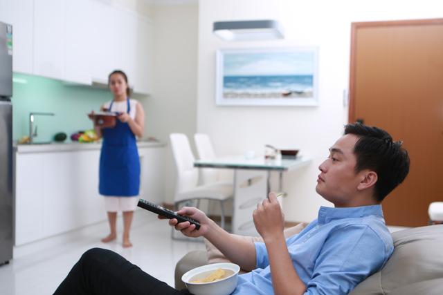 """Đinh Đức Hoàng: """"Chia sẻ bếp núc hay vấn đề nào của vợ chồng cũng nên giải quyết bằng tâm tình"""". - Ảnh 1."""