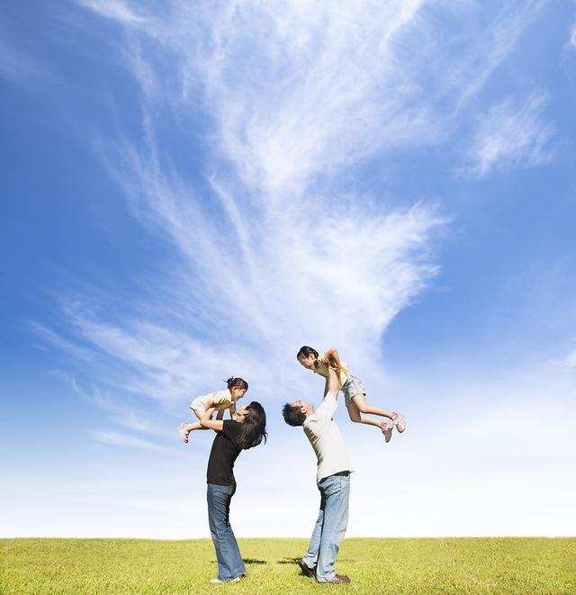 Bí quyết nào để phụ nữ đẹp và hạnh phúc - Ảnh 1.