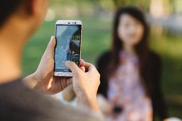 Mobile - Mobile • 3 Lý do người dùng nên sở hữu ngay HTC One ME • http://i.imgur.com/e4oP4tA.jpg • Là một sản phẩm hoàn hảo với máy ảnh chính 20MP và màn hình độ phân giải 2K sắc sảo trong khi giá bán lẻ... Img20160816115804622