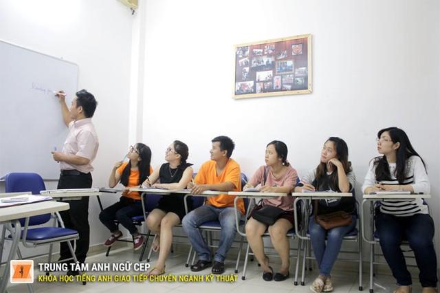 Lớp học chỉ nhận tối đa 10 học viên để đảm bảo chất lượng chương trình học