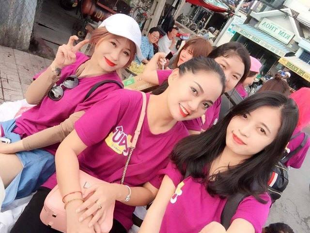 Au Mobile và câu chuyện ít người biết về 8 cô gái áo tím