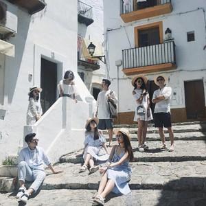 Chụp ảnh nhóm theo concept