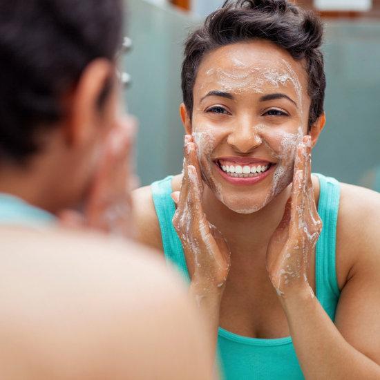 Bật mí cách rửa mặt cho làn da sáng mịn 2