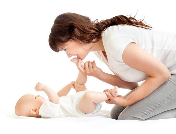 Những lưu ý mẹ nên thuộc lòng khi chọn mua thuốc mỡ trị hăm cho bé 1