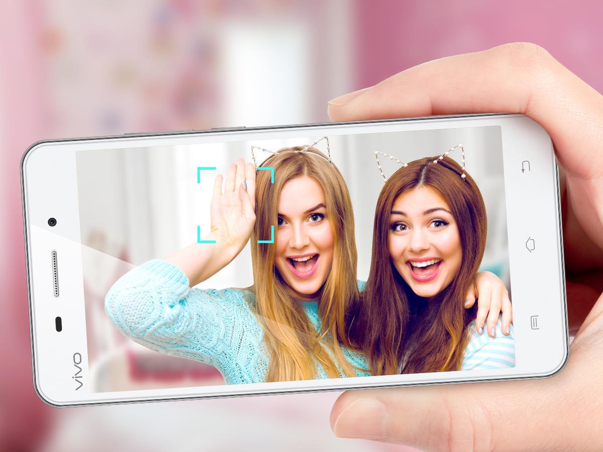 4 tuyệt chiêu selfie để có những tấm hình ảo tung chảo - Ảnh 3.