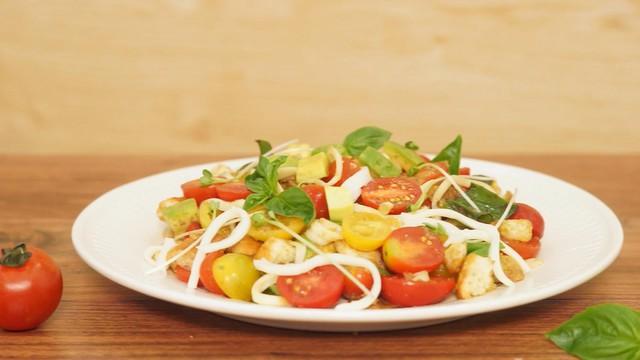 Nâng tầm món ăn truyền thống bằng phomat tự nhiên - Ảnh 1.