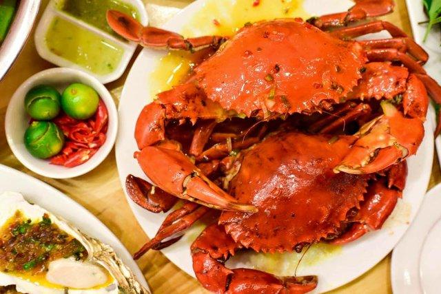 Trải nghiệm hương vị hải sản tươi ngon 100% cùng Hải sản Tomato - Ảnh 1.